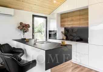 Kuchnia w  nowym domu mobilnym JB Silver Moon